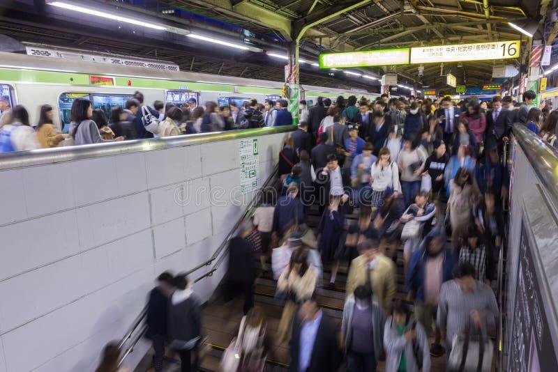 在东京地下铁的下班时间 免版税库存图片