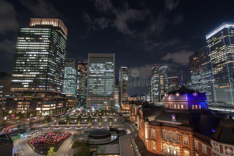 在东京站的夜视图在东京,日本 库存照片