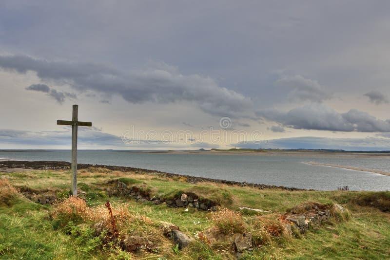 在东北英格兰海岛上的古老教堂废墟  库存图片