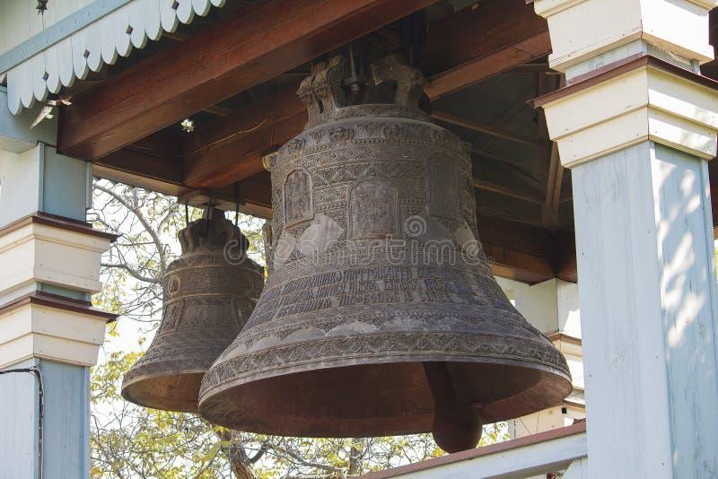 在东正教特写镜头的古铜色响铃 免版税图库摄影