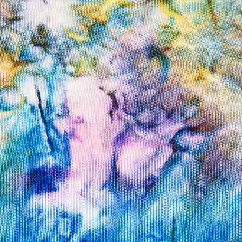 在丝绸蜡染布的抽象蓝色和黄色样式 向量例证