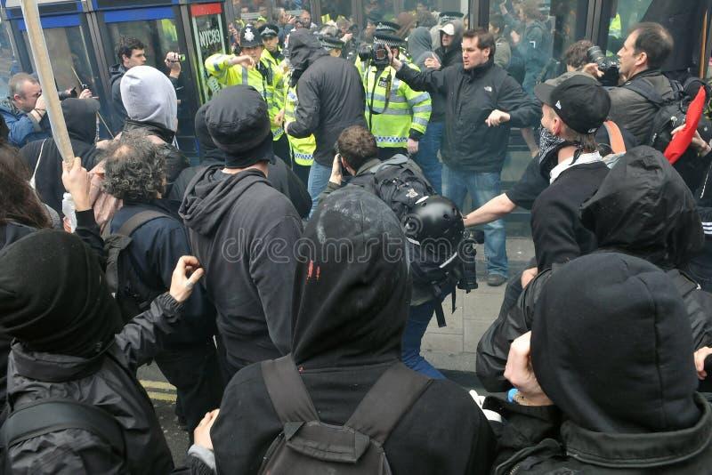 在严肃集会的碰撞在伦敦 库存图片