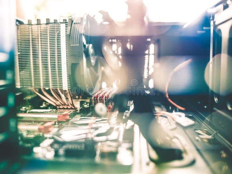在个人计算机里面的令人敬畏的技术 免版税库存照片