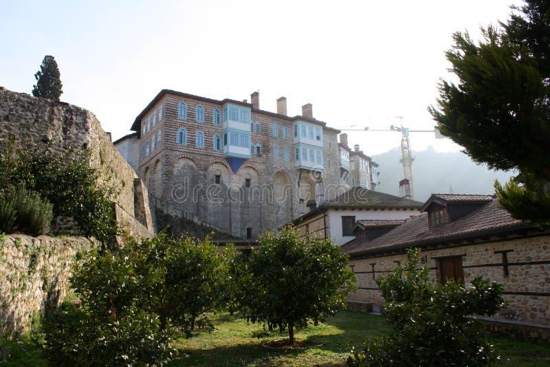 在中世纪修道院Hilandar的正面图 图库摄影