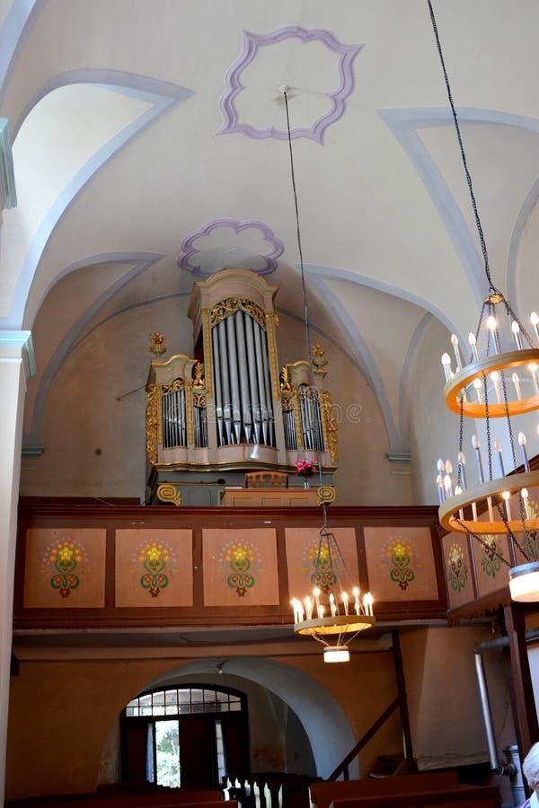 在中世纪被加强的教会里面在阿夫里格,锡比乌,特兰西瓦尼亚 库存图片