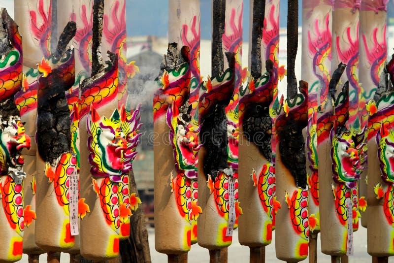 在中国寺庙的燃烧的香 免版税库存图片