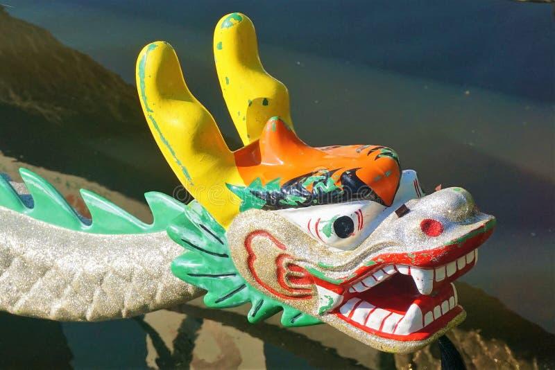 在中国龙小船的弓的龙 免版税图库摄影
