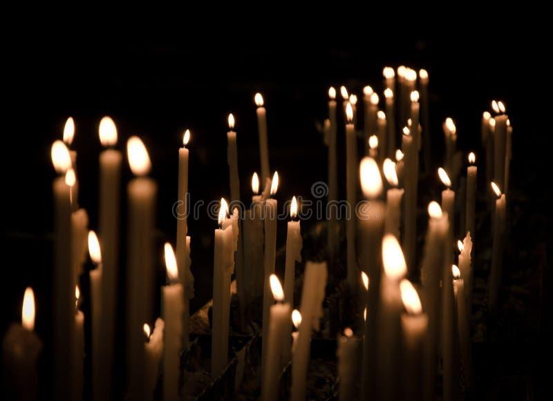 在中央寺院二米兰的蜡烛 免版税库存图片