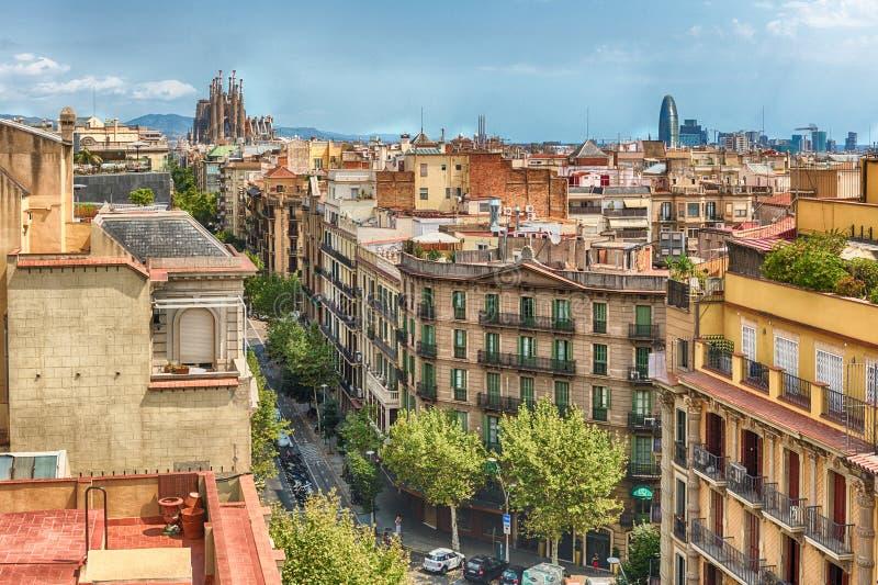 在中央巴塞罗那,卡塔龙尼亚, S屋顶的鸟瞰图  免版税库存照片