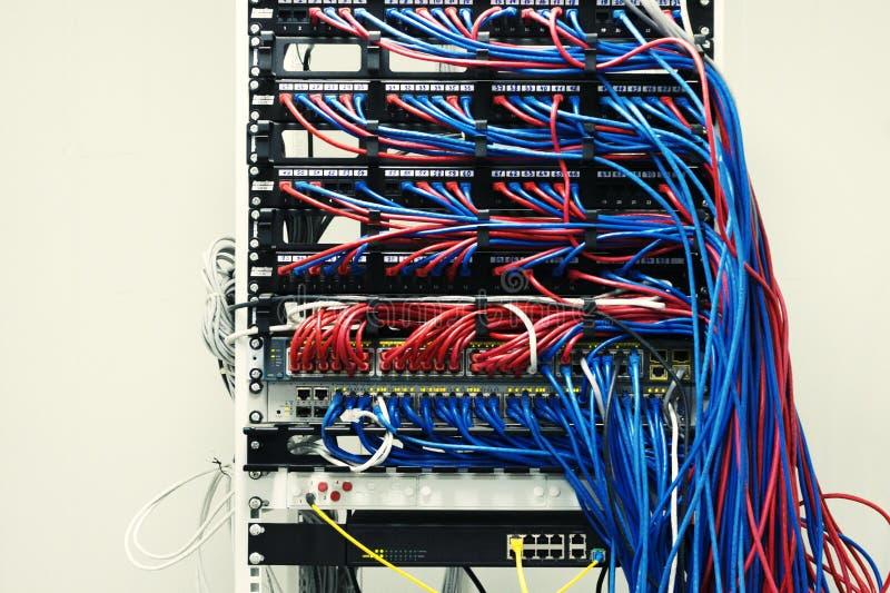 在中立背景的服务器 图库摄影