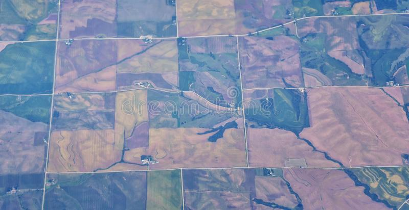 在中西部状态的空中Cloudscape视图在科罗拉多、堪萨斯、密苏里、伊利诺伊、印第安纳、俄亥俄和西维吉尼亚du的飞行 库存图片