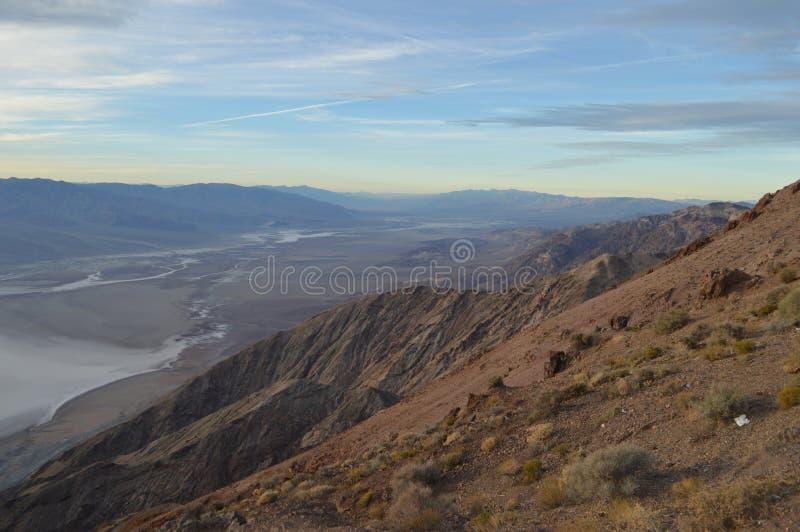 在丹特` s视图的黄昏在死亡谷加利福尼亚 图库摄影