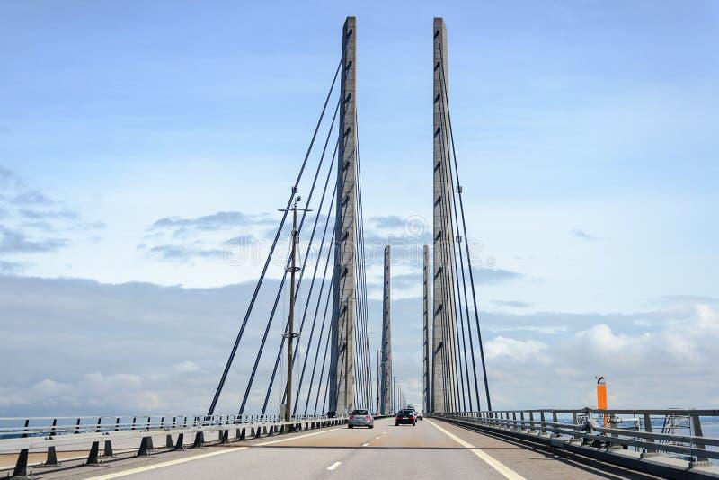 在丹麦和瑞典之间的厄勒海峡桥梁 免版税库存图片