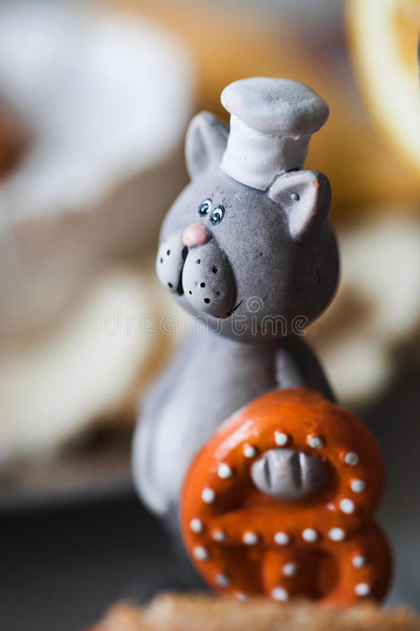 Download 在主厨统一的猫 库存照片. 插画 包括有 国内, 帽子, 抽象, 盖帽, 厨师, 烹调, 敌意, 衣物, 厨房 - 28850322
