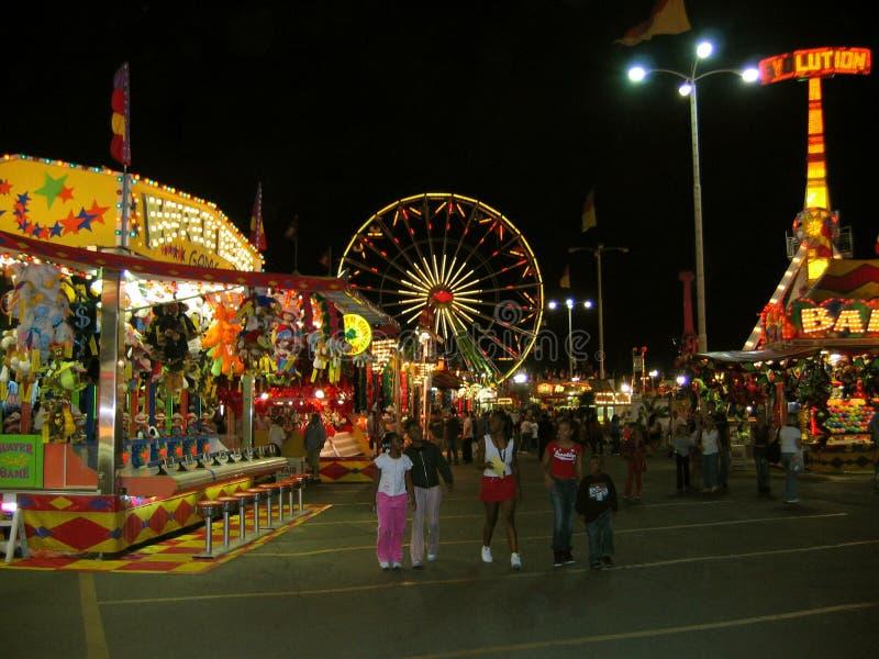 在乐趣区域的夜场面,公平的洛杉矶郡,波诺马Fairplex,加利福尼亚 免版税库存照片