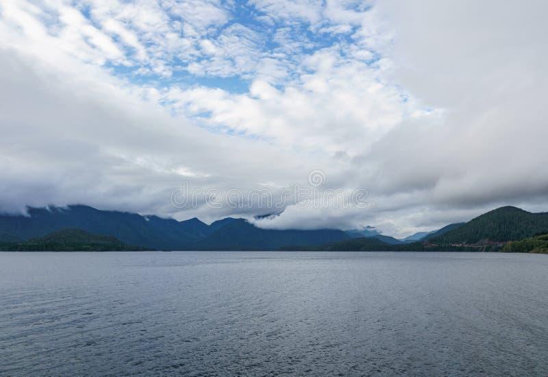 在乔治亚海峡的巨大看法在温哥华岛不列颠哥伦比亚省加拿大附近 图库摄影