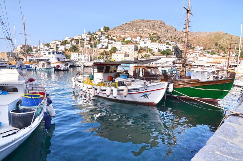 在九头蛇海岛Saronic海湾希腊的口岸 图库摄影