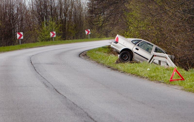 在事故以后的被碰撞的汽车 库存照片