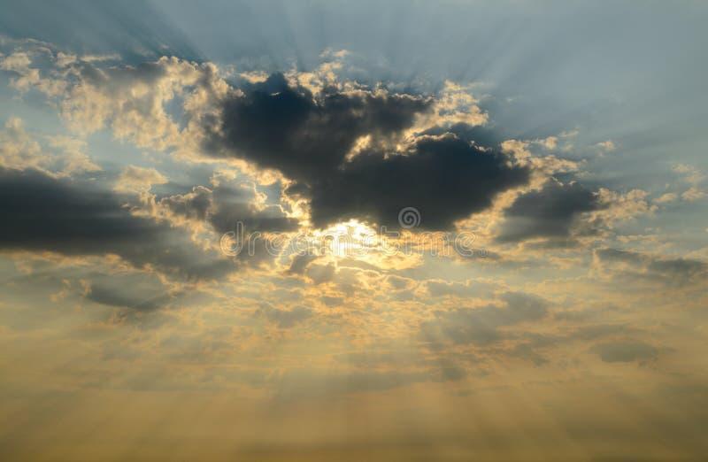在云彩日出之后 库存照片