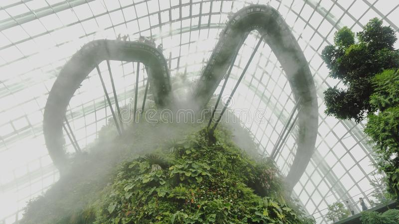在云彩林园的云彩由海湾在新加坡 库存照片