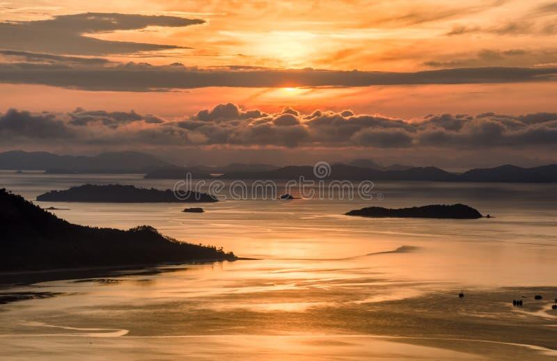 在云彩的日出早晨 图库摄影