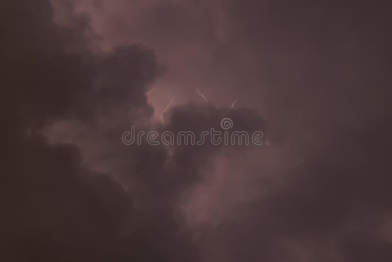 在云彩的闪电 库存图片