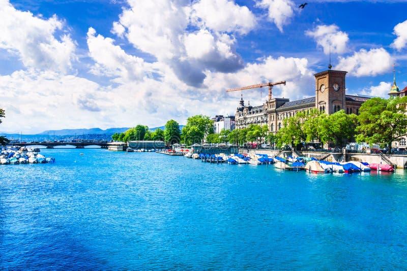 在五颜六色的湖苏黎世-瑞士的看法 免版税库存照片