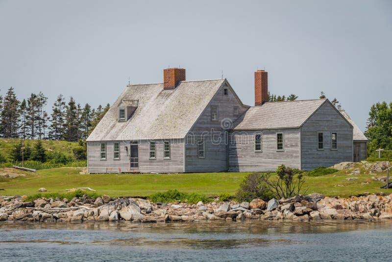 在亚伦海岛上的安德鲁和贝特西Wyeth's家在一个晴朗的夏日在缅因 免版税库存照片