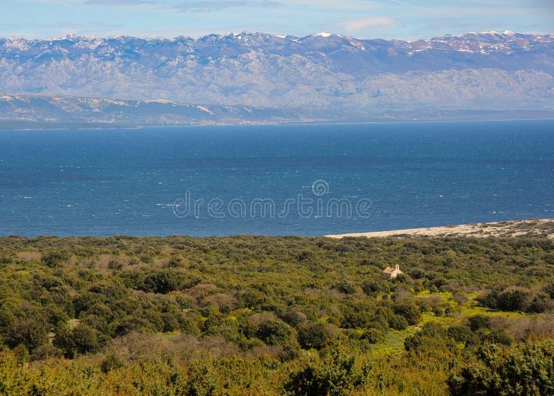 在亚得里亚海的看法从Velebit山的茨雷斯岛, C 免版税图库摄影