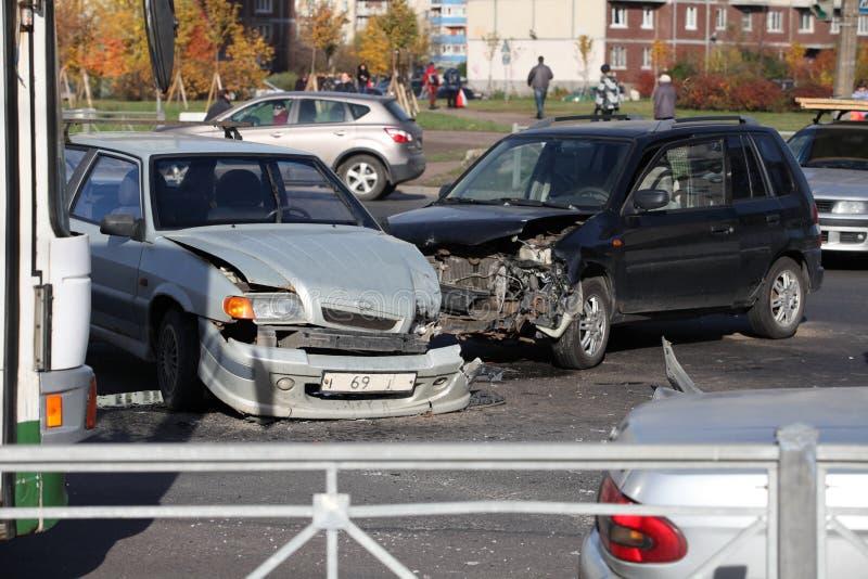 在交叉路的事故 库存图片