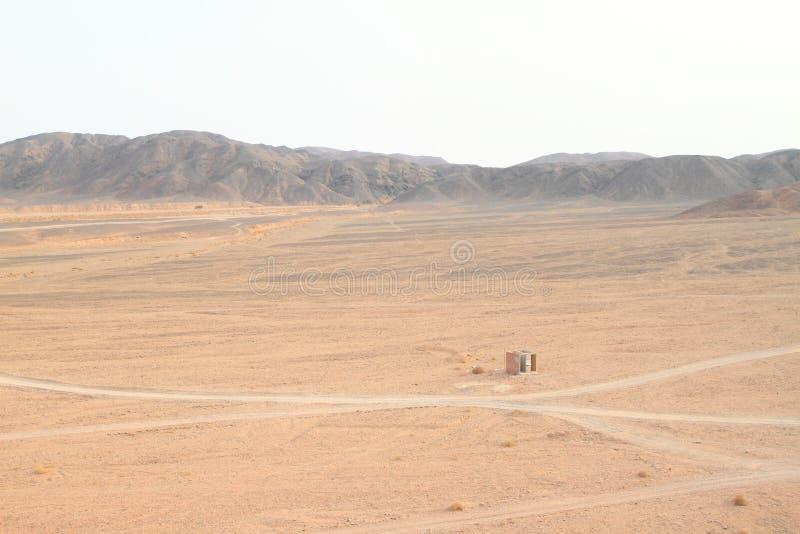 在交叉路的洗手间在沙漠在Marsa阿拉姆 库存图片