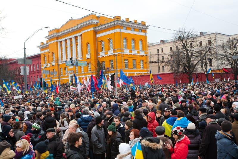 在亲欧洲抗议期间, 800,000个人巨大的人群反政府示范的麻痹了交通 免版税库存照片