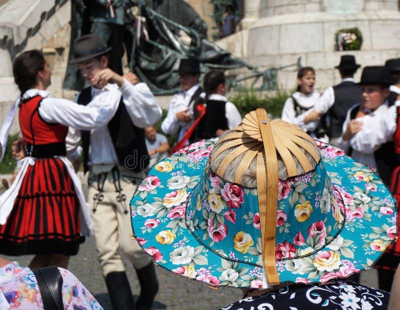 在人群的一个帽子 匈牙利天,科鲁Napoca, 2018年 免版税图库摄影