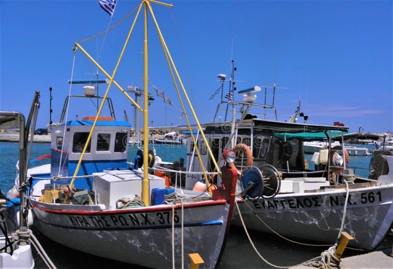 在他们的停泊的渔船,干尼亚州,克利特 库存图片