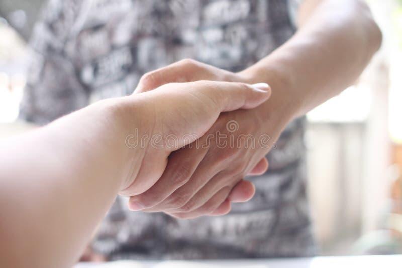 在企业交涉的商人握手的成功 库存图片