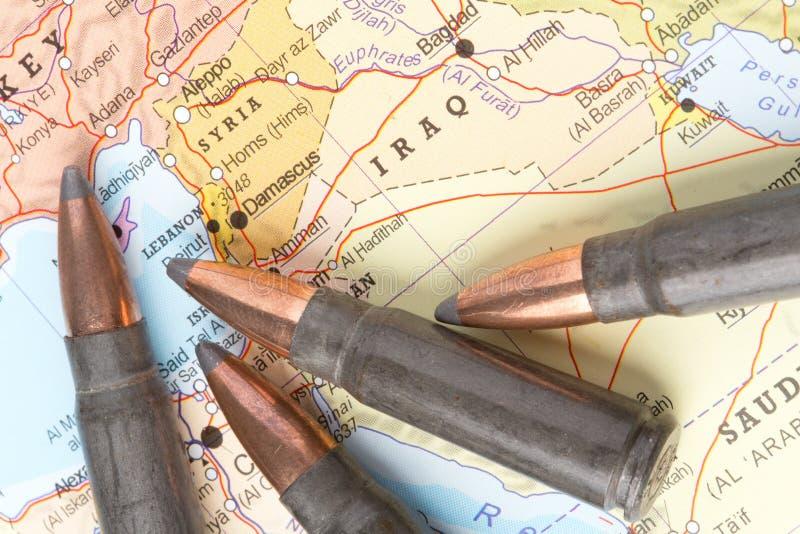 在伊拉克和叙利亚的地图的子弹 库存图片