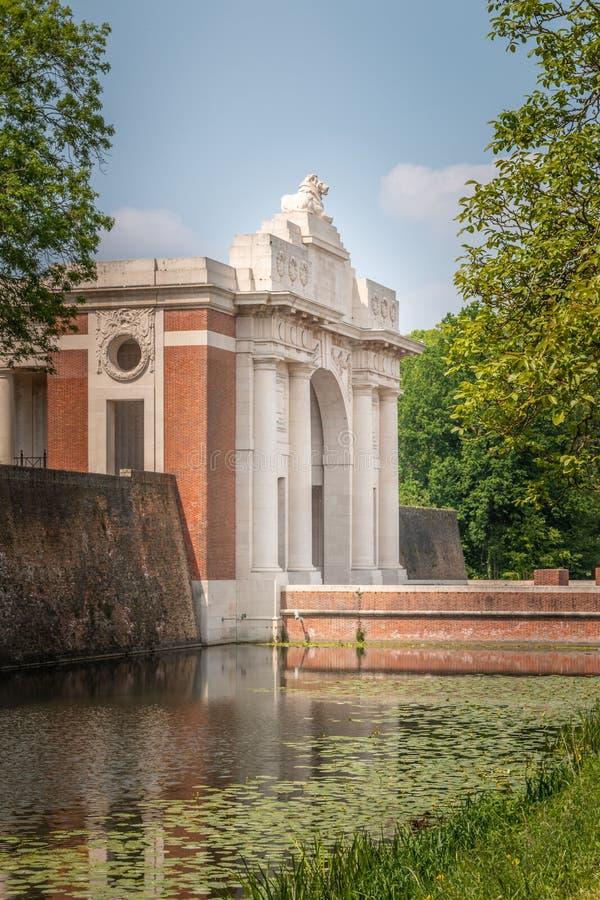 在伊珀尔比利时的Menin门 免版税库存照片