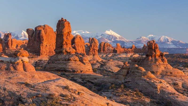 在伊甸园岩石石峰的日落光 免版税库存照片
