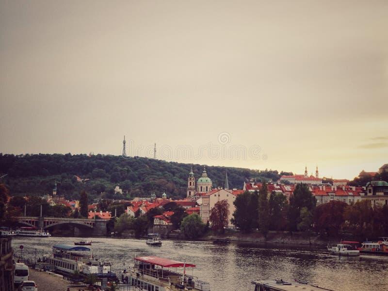 在伏尔塔瓦河河的美丽的景色 布拉格,捷克共和国 免版税图库摄影