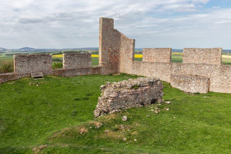在休姆附近破坏在苏格兰边界的老城堡 库存图片
