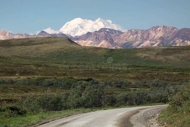 在休息上:Denali -以前叫作Mt麦金莱-阿拉斯加 免版税库存图片