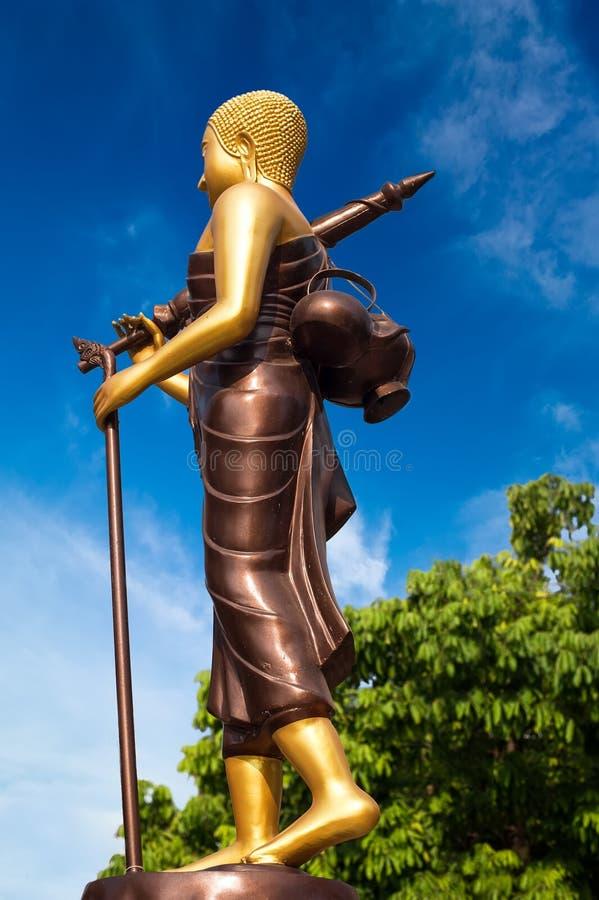 在传统亚洲样式的菩萨雕象 老挝万象 库存图片