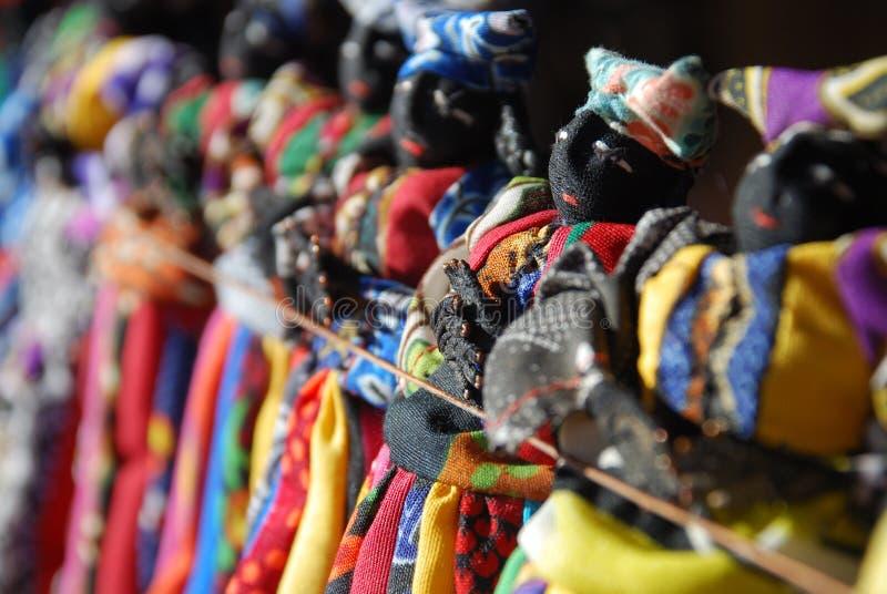 在销售中的赫勒娄族玩偶, Damaraland,纳米比亚 免版税图库摄影