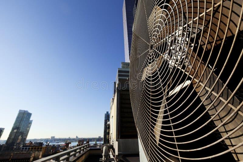 都市HVAC空气Contidioner室外单位曼哈顿纽约 免版税库存图片
