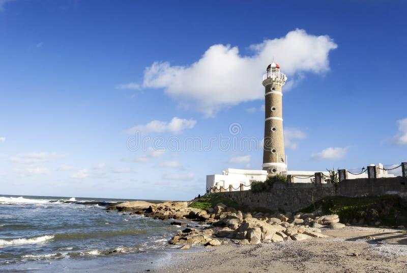 在何塞伊廖齐海滩,埃斯特角的著名灯塔 免版税库存图片