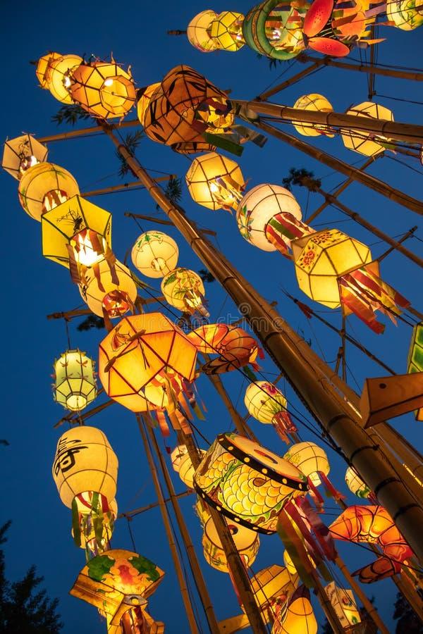 在佛教寺庙的亚洲灯笼 图库摄影