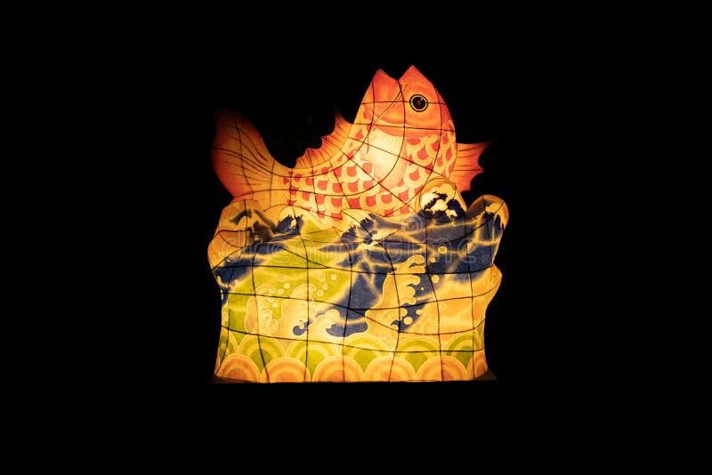 在佛教寺庙的亚洲鲤鱼鱼灯笼 库存照片