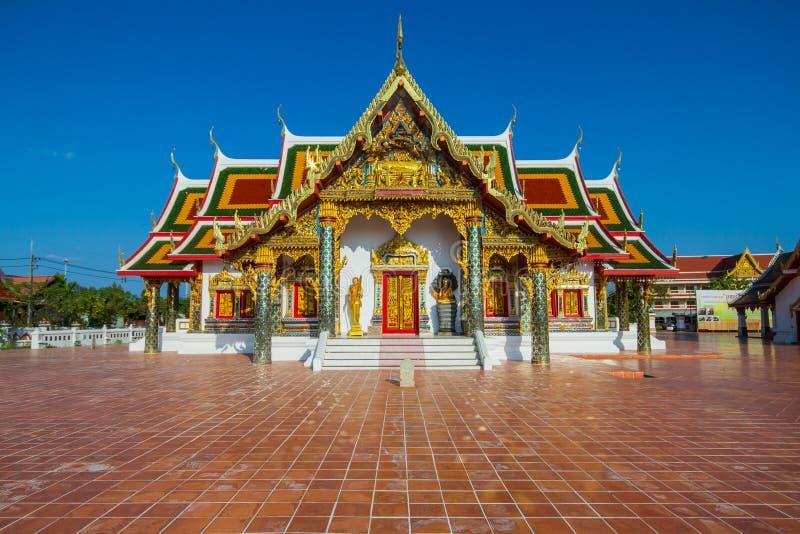 在佛教教会里装饰的泰国寺庙艺术 免版税图库摄影