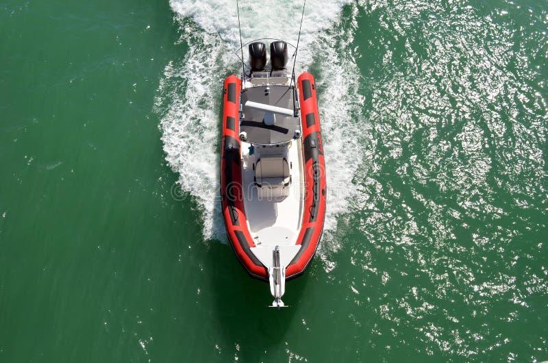 在佛罗里达内陆水路的高端汽船 免版税库存图片