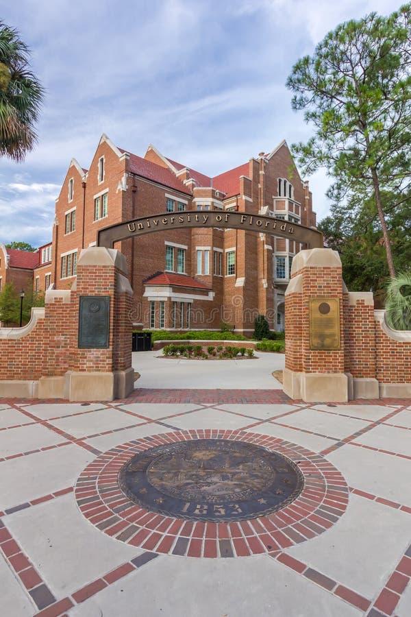 在佛罗里达大学的入口标志 免版税图库摄影